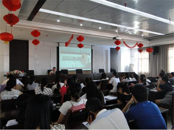 全校性针对教师开展多媒体教学操作培训354.jpg